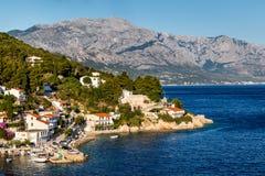 Schöner adriatischer Strand und Lagune mit blauem Wasser Lizenzfreie Stockbilder