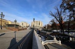 Schöner Alexander Garden nahe dem alten der Kreml-Winter, Moskau, Russland Lizenzfreies Stockbild