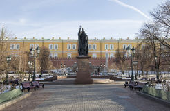 Schöner Alexander Garden nahe dem alten der Kreml-Winter, Moskau, Russland Lizenzfreie Stockfotografie