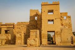 Schöner alter Tempel von Medina-Habu Ägypten, Luxor lizenzfreie stockfotografie