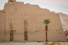 Schöner alter Tempel von Medina-Habu Ägypten, Luxor stockfotos