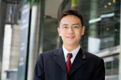 Schöner asiatischer Geschäftsmann Lizenzfreies Stockbild