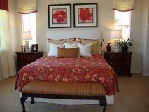 Schöner Bett-Raum Stockbild