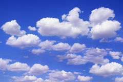 Schöner blauer Himmel Stockfoto