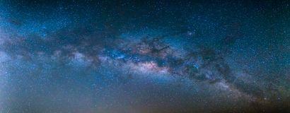 schöner blauer Himmel und Milchstraße Lizenzfreies Stockfoto