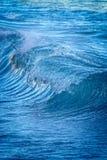 Schöner blauer Meereswoge in Costa Brava Küsten in Spanien lizenzfreies stockfoto