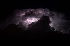 Schöner Blitzschraubenhintergrund Stockfoto