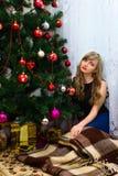 Schöner blonder naher Weihnachtsbaum Stockfoto