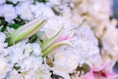 Schöner Blumenhintergrund für Heiratsszene Lizenzfreie Stockbilder
