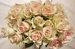 Schöner Blumenstrauß der Rosen Stockfoto