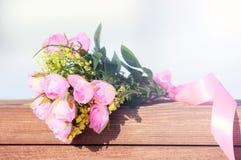 Schöner Blumenstrauß der Rosen Der Blumenstrauß der Braut Stockfotografie