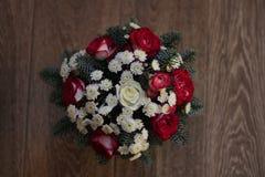 Schöner Blumenstrauß von Winterblumen lizenzfreies stockfoto
