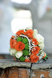 Schöner Brautblumenstrauß von verschiedenen Blumen Lizenzfreie Stockfotografie