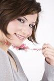 Schöner Brunette, hübsches Lächeln Lizenzfreies Stockbild