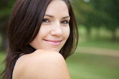 Schöner Brunette mit frischer Haut Stockbild