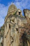 Schöner Buddha und Pagode lizenzfreie stockfotografie