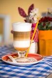 Schöner Cappuccino, Stockfoto
