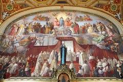 Schöner entworfener Innenraum von der Vatikan-Museum Stockfotos