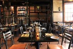 Schöner Esszimmersatz, damit Gönner genießen eine entspannende Mahlzeit, Forno-Bistro, Saratoga, New York, 2016 kommen lizenzfreie stockfotografie