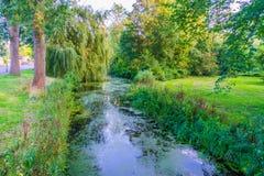 Schöner Fluss in einer Wasserparklandschaft Stockbild