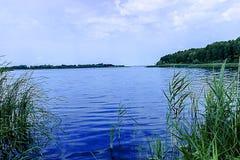 Schöner Fluss in Mittel-Russland Stockfoto