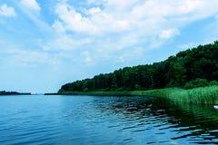 Schöner Fluss in Mittel-Russland Stockbild