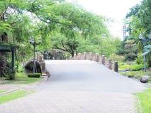 Schöner Garten Grüner Rasen in landschaftlich gestaltetem formalem Garten Park AR Lizenzfreie Stockbilder