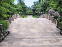 Schöner Garten Grüner Rasen in landschaftlich gestaltetem formalem Garten Park AR Lizenzfreies Stockbild