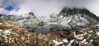 Schöner Gebirgssee in hohem Tatras Lizenzfreies Stockbild