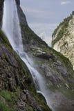 Schöner Gebirgswasserfall Lizenzfreie Stockbilder