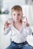 Schöner glücklicher blonder Junge Lizenzfreie Stockbilder