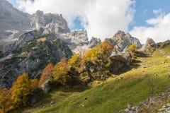 Schöner Herbst in den bayerischen Alpen, Deutschland Stockbilder