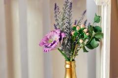 Schöner Hochzeitsblumenstrauß gemacht vom Polymer clay-4 Stockbilder
