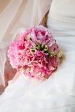 Schöner Hochzeitsblumenstrauß mit rosa Pfingstrose Lizenzfreie Stockfotografie