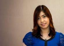 Schöner junger Asiat - Chinesin-Lächeln Stockfotos