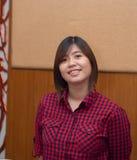 Schöner junger Asiat - Chinesin-Lächeln Lizenzfreie Stockfotos