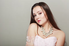 Schöner junger Brunette Stockfoto