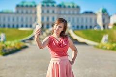 Schöner junger Tourist in Wien Lizenzfreie Stockfotografie