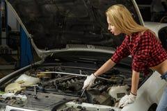 Schöner Mädchenmechaniker Lizenzfreies Stockbild