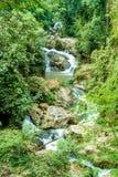 Schöner Mae Sa-Wasserfall bei Chiang Mai, Thailand lizenzfreies stockfoto