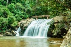 Schöner Mae Sa-Wasserfall bei Chiang Mai, Thailand lizenzfreies stockbild