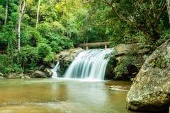 Schöner Mae Sa-Wasserfall bei Chiang Mai, Thailand stockfotografie