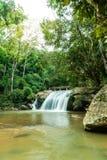 Schöner Mae Sa-Wasserfall bei Chiang Mai, Thailand stockbilder
