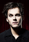 Schöner Mann bevor dem Werden ein Vampir Stockbilder