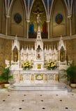 Schöner Marmor ändern an St Andrew katholischer Kirche lizenzfreies stockfoto