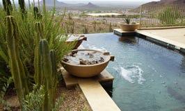 Schöner moderner Swimmingpool Lizenzfreies Stockfoto