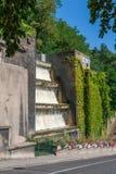 Schöner moderner Wandbrunnen in Lyon, Frankreich lizenzfreie stockbilder