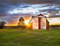 Schöner Morgen im Land Stockbilder