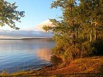 Schöner Morgen am See Stockbild