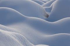 Schöner neuer Schneewehenabschluß oben Stockfoto